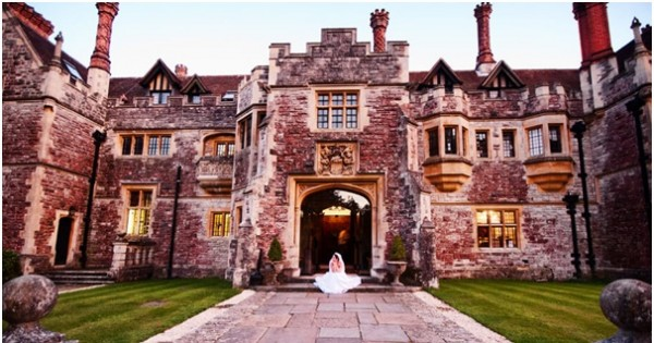 Using the Natural and Architectural Beauty of Dorset in Your Wedding Photos